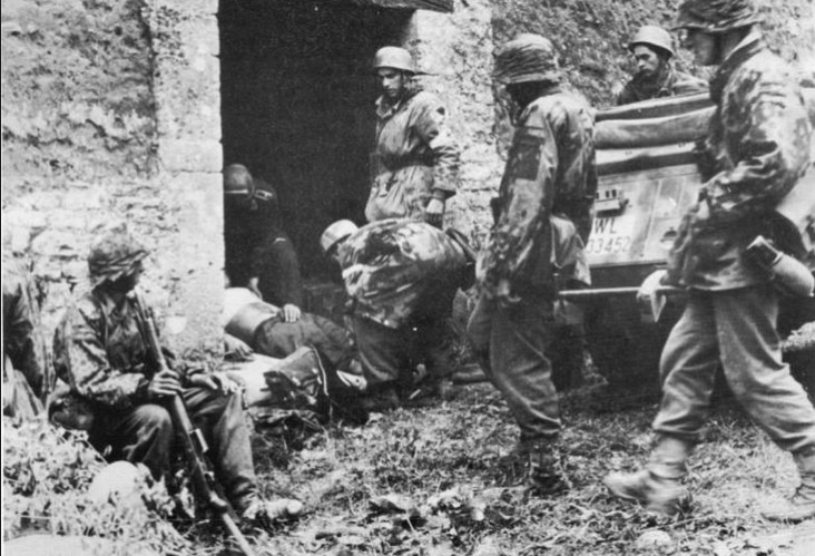 Soldiers of 17th SS Panzergrenadiers in Carentan area